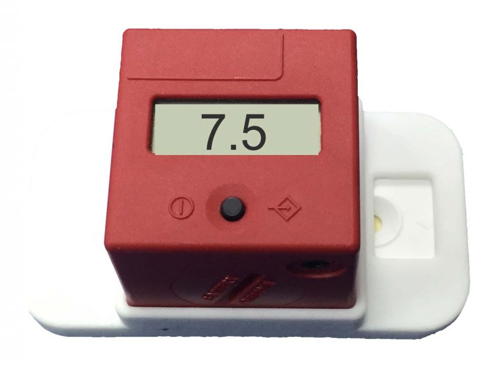 Quick P4 Equine Progesterone number results cube reader